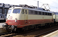 112 270 in rot beige in Paderborn Hbf